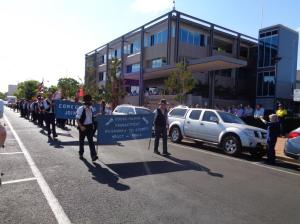 Coo-ee marchers passing Dubbo City Council chambers, Church Street, Dubbo